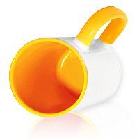 Фото Кружка керамическая для сублимации, цветная темно-желтая внутри и цветная ручка